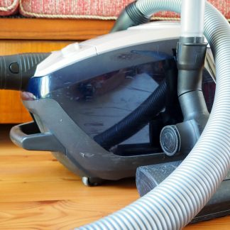 Cleaning Up Diatomaceous Earth
