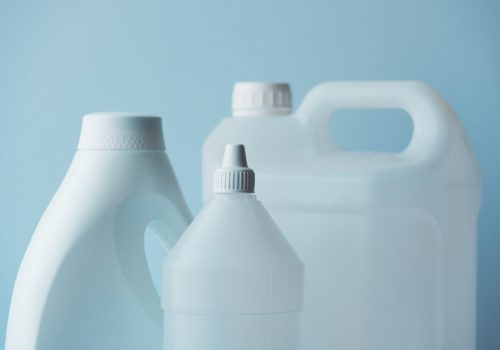 white-plastic-jerrycan-and-bottle-canister-for-PWHULCA